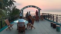 Sunset Dari Coffe Shop Di Allisa Resort Anyer. (Jum'at, 23/10/2020). (Yandhi Deslatama/Liputan6.com)
