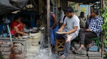 FOTO: India Longgarkan Pembatasan Terkait COVID-19