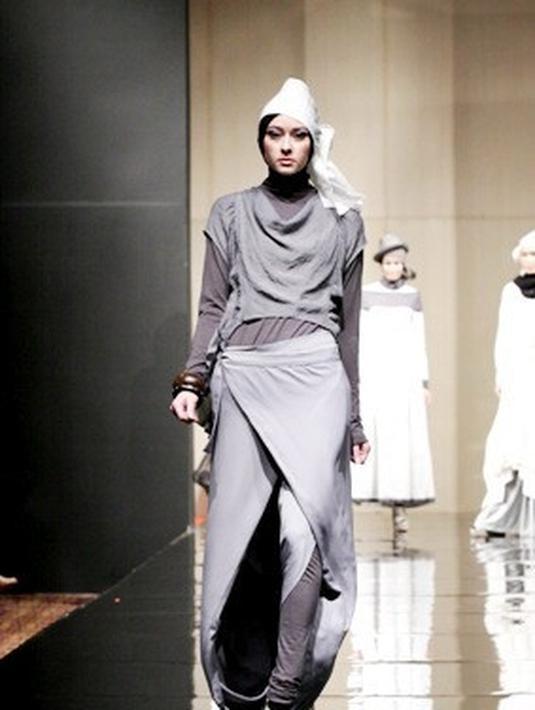15 Padu Padan Hijab Futuristik Fashion Fimela Com
