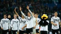 Timnas Jerman yang diisi oleh mayoritas pemain muda tampil superior pada laga persahabatan kontra Rusia di Stadion Red Bull Arena, Leipzig. Timnas Jerman menang 3-0. (AFP/Odd Andersen)