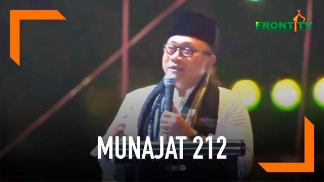 Ketum MPR Zulkifli Hasan memberi sambutan dalam acara Munajat 212. Zulkifli menyinggung soal pergelaran Pemilu 2019.