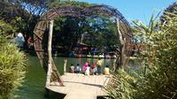 Salah satu spot swa-foto di Eco Wisata Boon Pring, salah satu desa wisata di Malang, Jawa Timur (Liputan6.com/Zainul Arifin)