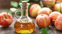 Ternyata, cuka sari apel memiliki manfaat positif bagi kecantikan Anda, penasaran? (Foto: iStockphoto)