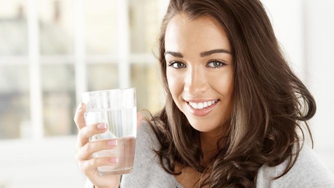 Diet Air Hangat Cara Super Praktis Turunkan Berat Badan Beauty Fimela Com