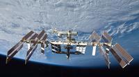 International Space Station (sumber : engadget.com)