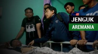 Berita video pemain Arema FC yang menjenguk dua Aremania yang menjadi korban di Stadion Kanjuruhan pada laga Arema vs Persib Bandung di Liga 1 2018.
