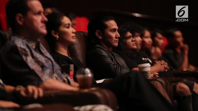 Film Wiro Sableng udah pasti ditunggu sama pecinta film Indonesia. Nah sebelum nonton, kita seru-seruan bareng sama castnya yuk!