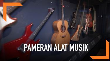 Alat musik milik musisi Rock n' Roll akan dipamerkan di Metropolitan Museum of Art, New York.  Pameran akan dibuka mulai 8 April hingga 1 Oktober 2019.