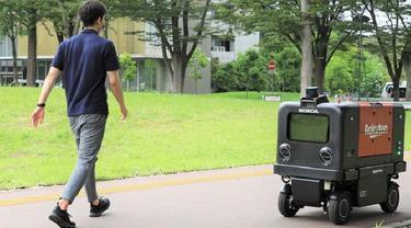 Honda Motor Co bersama Rakuten Group menguji coba robot pengiriman otomatis ramah lingkungan di sekitar Universitas Tsukuba. (Dok. Honda)