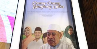 Sukses perannya sebagai haji Muhidin dalam sinetron Tukang Bubur Naik Haji, Latief Sitepu mendapat tantangan baru. Kalau dulu sebagai orang kaya, kini menjadi susah dan lusuh. (Nurwahyunan/Bintang.com)