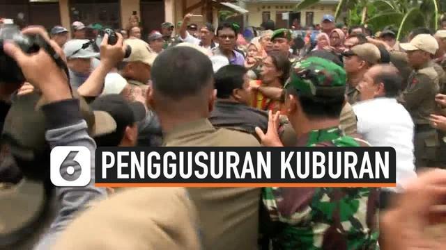 Penggusuran TPU Wareng Karawaci Tangerang berlangsung ricuh, warga bentrok dengan Satpol PP Kota Tangerang. Pemkot Tangerang ingin menggunkan lahan bekas TPU untuk pelebaran jalan.