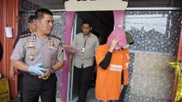 Polres Cilacap mengungkap kasus malpraktek kesehatan berkedok salon kecantikan. (Foto: Liputan6.com/Polres Cilacap/Muhamad Ridlo)