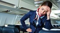Jangan lakukan 12 hal ini di pesawat. Foto: Huffingtonpost.
