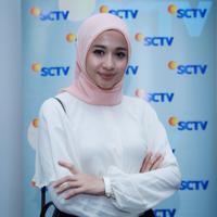 Ditempat yang sama, Bella menjelaskan terkait pengawalan ketat dari empat orang berseragam TNI, saat pemutaran film 'Aisyah: Biarkan Kami Bersaudara' pada Senin (16/5/2016) di XXI Epicentrum, Kuningan Jakarta. (Galih W. Satria/Bintang.com)
