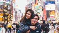Potret keakraban sering dibagikan pada instagram masing-masing. Banyak warganet yang mendukung keduanya pacaran. Tapi, tidak sedikit juga Vanes menjalin hubungan dengan Adipati. (Instagram/adipati)