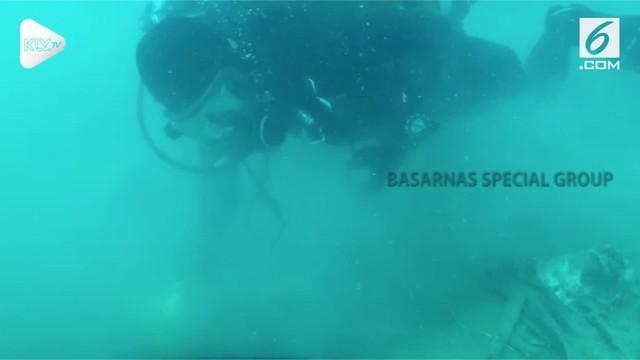 Dalamnya sedimen lumpur dasar laut menjadi kendala Basarnas dalam mengangkat serpihan maupun bagian tubuh di lokasi jatuhnya Lion Air PK-LQP.