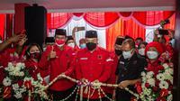 Peresmian kantor baru PDIP Surabaya oleh Megawati secara online. (Dian Kurniawan/Liputan6.com)