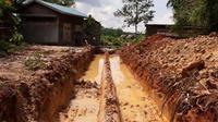 Galian pipa ilegal di kawasan hutan Duriangkang.