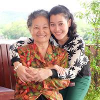 Kasih sayang ibu yang begitu luar biasa./Copyright shutterstock.com/g/SrsPvl