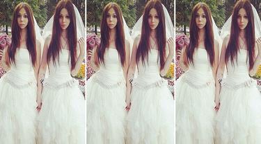 Alina Alisa Wedd in Gown 0814 1