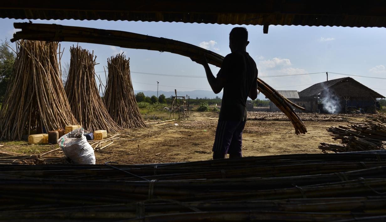 FOTO Menengok Aktivitas Pekerja Rotan Untuk Ekspor Di Banda