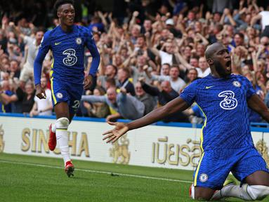 Chelsea mampu menumbangkan Aston Villa 3-0 di Stamford Bridge pada pekan keempat Liga Inggris, Sabtu (11/9/2021) malam WIB. Romelu Lukaku menjadi bintang kemenangan The Blues dengan mencetak dua gol. (Foto: AP/Ian Walton)