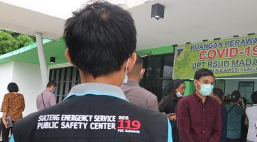 Petugas Sulteng Emergency Service di RS Madani Palu