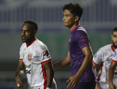 Foto: Debut Boaz Solossa Tak Berakhir Manis, Borneo FC Takluk 0-1 dari Persik Kediri di BRI Liga 1