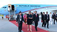 Presiden Jokowi tiba di Jerman guna menghadiri KTT G20. Jokowi disambut Dubes Indonesia untuk Jerman, Fauzi Bowo alias Foke. (Biro Pers Istana)