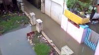 Banjir susulan akibat luapan sungai yang melintas di Kabupaten Bandung, menyebabkan kawasan pemukiman dan ruas jalan raya tergenang, Bandung, 30 November 2018. (Novha/ Istimewa)