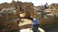 Kuil berusia 2.200 tahun yang ditemukan di Mesir. (AP)