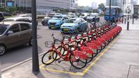 Sejumlah sepeda untuk layanan bike sharing atau penyewaan sepeda di Kawasan Jakarta, Jumat (3/7/2020). Layanan bike sharing yang bertujuan untuk mengurangi penggunaan kendaraan bermotor ini terbagi dalam 6 titik lokasi di Jakarta. (Liputan6.com/Angga Yuniar)
