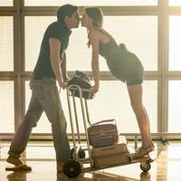 Meski pacarnya antara ada dan tiada, sesungguhnya banyak pelajaran yang bisa diambil dari pasangan LDR. (Foto: huffingtonpost.com)