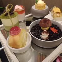 Mencicipi kuliner khas Jepang di When Jakarta Meets Japan (foto: Vinsensia Dianawanti)