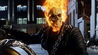 Film Ghost Rider mendapatkan skor rating yang rendah di Rotten Tomatoes. Film ini dianggap jelek lantaran akting Nicholas Cage dan efek yang buruk. (foto: heroes.direct)