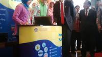 Presiden Jokowi didampingi Menteri Keuangan Bambang Brodjonegoro, Wakil Menteri Keuangan Mardiasmo, Dirjen Pajak Sigit Priadi Pramudito.