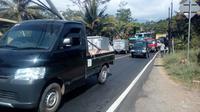 Antrian kendaraan mulai terlihat di perlintasan jalur mudik nasional bagian selatan Jawa via Garut (Liputan6.com/Jayadi Supriadin)