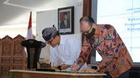 Untuk memulihkan ekonomi di sektor pariwisata setelah dihantam pandemi Covid-19, Pemerintah Kabupaten (Pemkab) Banyuwangi berkolaborasi dengan perusahaan penyedia layanan perjalanan dan gaya hidup, Traveloka.
