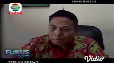 Satuan Narkoba Polresta Sidoarjo, Jawa Timur membekuk kurir narkoba dengan barang bukti satu kilogram ganja dan ribuan pil koplo. Polisi masih terus mengembangkan kasus tersebut guna mengejar pemasok barang atau bandar besarnya.