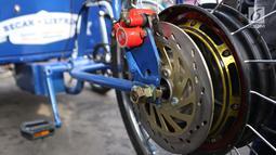 Tampilan roda becak listrik yang diberikan oleh anggota DPR RI Hanafi Rais kepada Gubernur DKI Anies Baswedan di Balai Kota DKI Jakarta, Minggu (11/3). Becak listrik tersebut seharga Rp 15 juta. (Liputan6.com/Immanuel Antonius)