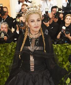 Madonna di ajang Met Gala 2018. (Jamie McCarthy / GETTY IMAGES NORTH AMERICA / AFP)