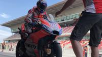 Pembalap Ducati, Andrea Dovizioso saat melakoni tes MotoGP di Sirkuit Catalunya, Barcelona. (Twitter/Ducati Motor)