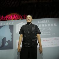 Tulus siapkan konser Monokrom di Jakarta dengan konsep dan idenya. (Nurwahyunan/Fimela.com)
