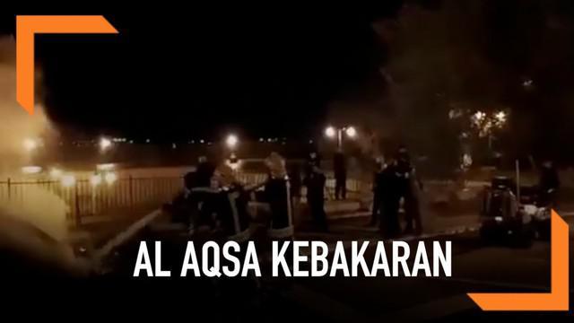 Kebakaran terjadi di salah satu ruangan di Masjid Al Aqsa, Yerusalem. Api segera bisa dipadamkan sehingga tidak merembet ke bagian lain.