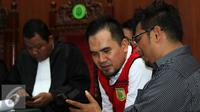 Saipul Jamil bersama dengan kuasa hukumnya saat persidangan (foto : Herman Zakharia/Liputan6.com)