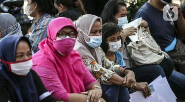 FOTO: Penyaluran Bansos untuk Warga Terdampak Pandemi COVID-19
