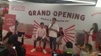 Kaesang Pangarep  dan Gibran Rakabuming di pembukaan gerai Goola X Mangkok Ku di Jakarta. (Liputan6.com/Henry)