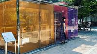 Toilet umum transparan di Shibuya, Tokyo, Jepang. (dok. Instagram @hanaoka_hayato/https://www.instagram.com/p/CD5FgC6nyIl/)