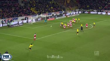 Video highlights Bundesliga antara Mainz Vs Borussia Dortmund yang berakhir dengan skor 0-2. This video is presented by Ballball.