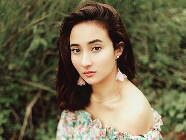 Naomi Zaskia dikenal sebagai salah model dan pesinetron. Wanita berdarah Bali ini mulai dikenal ketika berperan dalam banyak FTV dan bermain sinetron Diam Diam Suka.(Liputan6.com/IG/naonomnom)